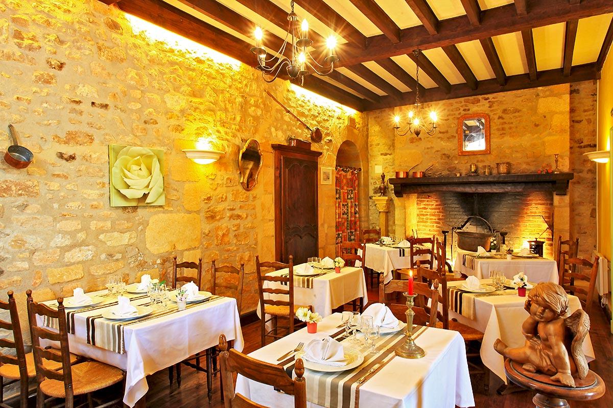 La Verperie  U2013 H U00f4tel Restaurant  U00e0 500m Du Centre Historique